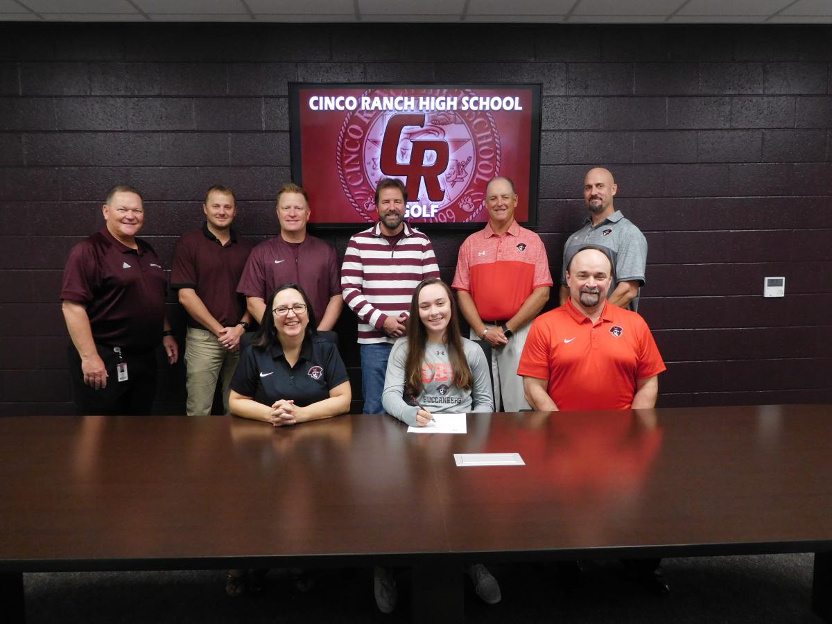 Katie shepherd signs her letter of intent to play golf at Christian Brothers University
