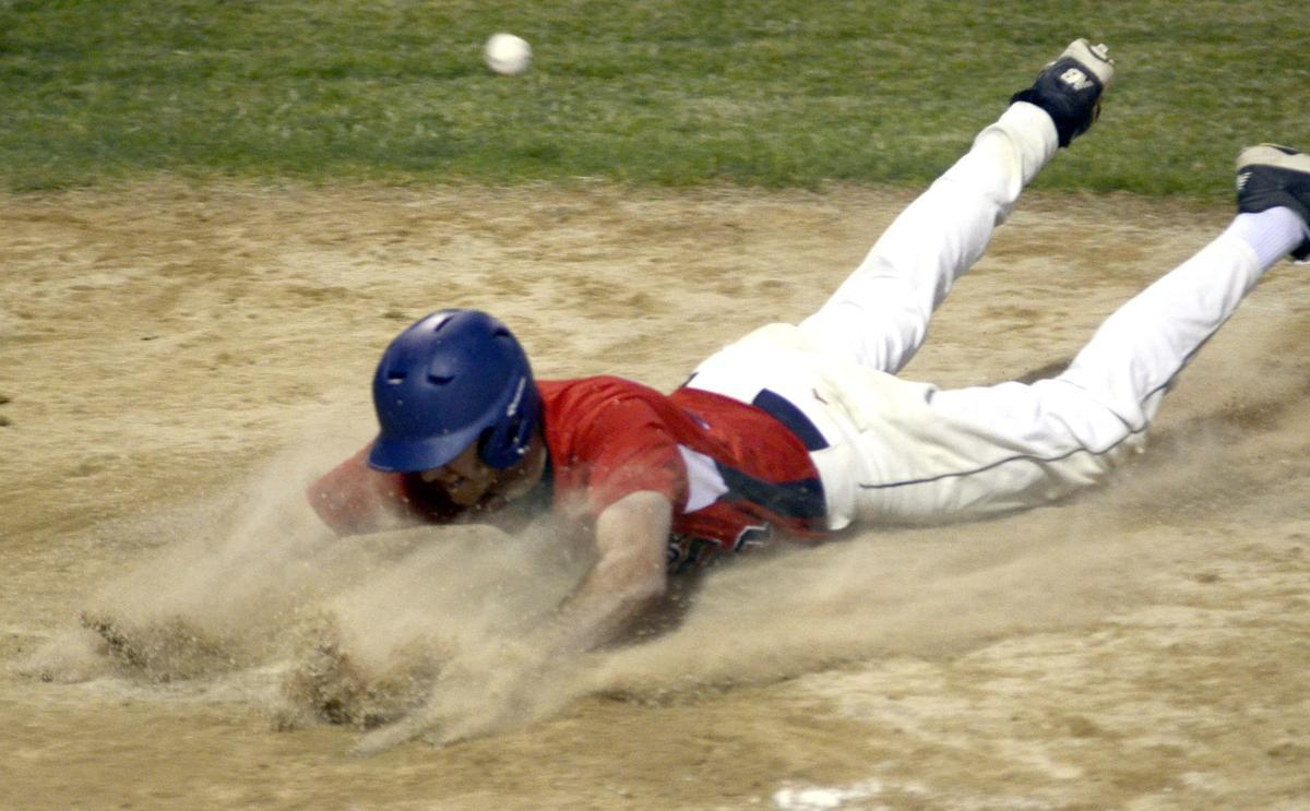 St. Peter town team gets clutch hits over Henderson 8-2