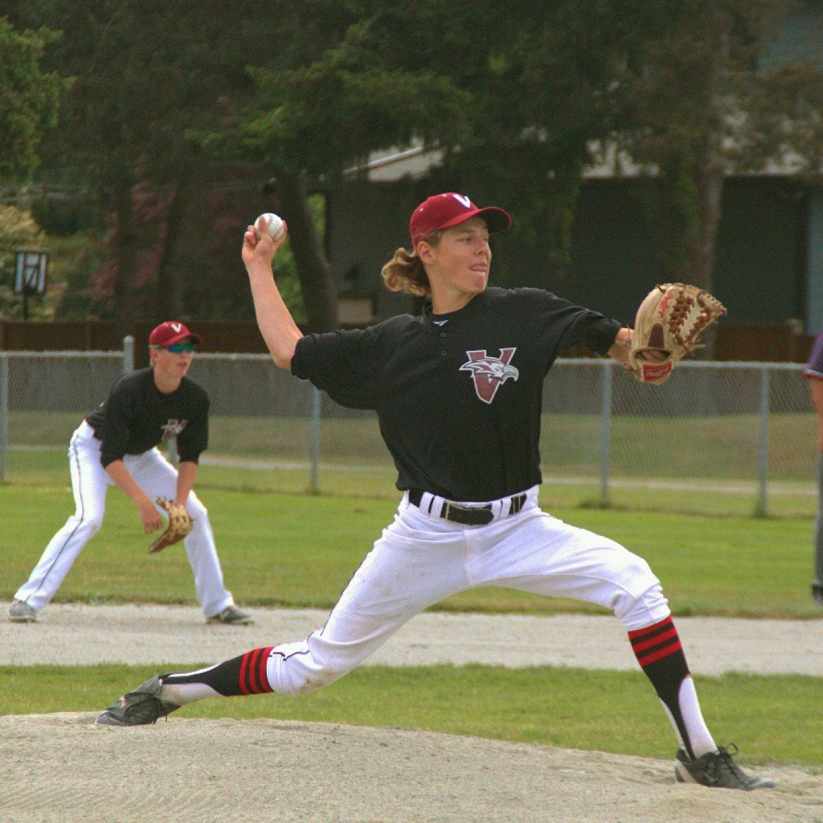 (Loss) Black Eagles 2, Kamloops 3;  (Win) Black Eagles 6, Kamloops 3